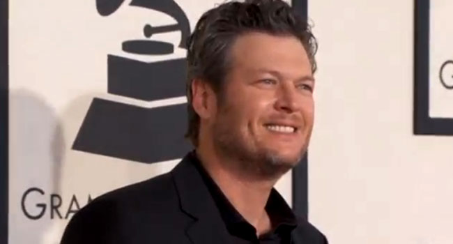 Gwen Stefani Reacts to Blake Shelton as Sexiest Man Alive!